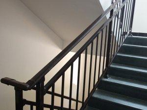 楼梯扶手安装方法