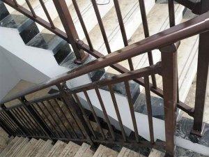 楼梯扶手使用寿命