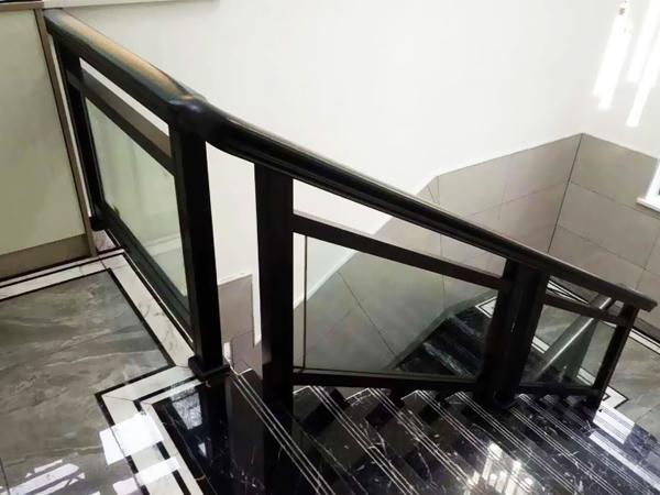 楼梯扶手图片大全