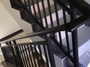 楼梯扶手优点与缺点