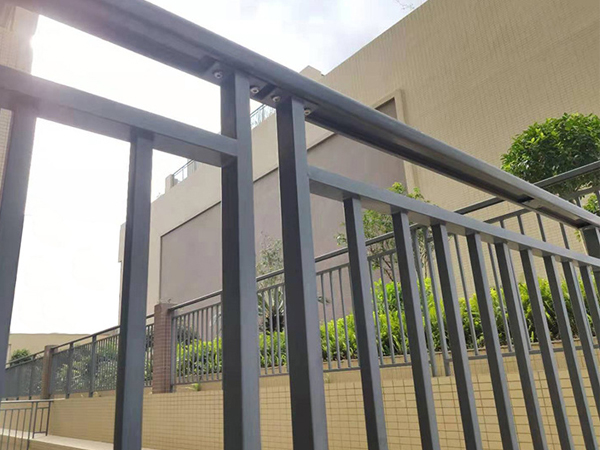 阳台护栏国家标准