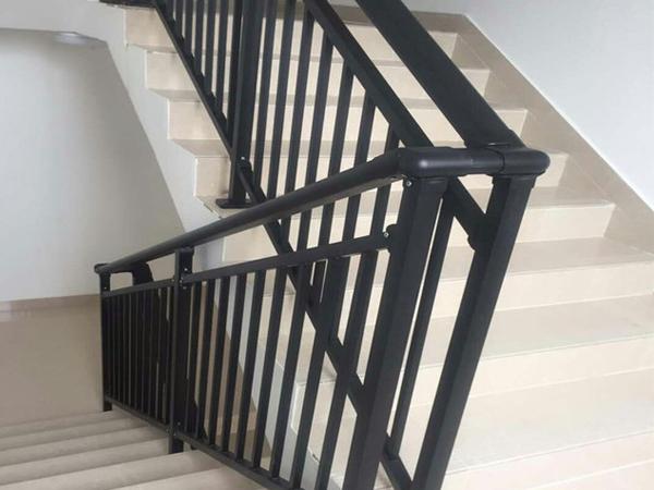 楼梯扶手如何选?