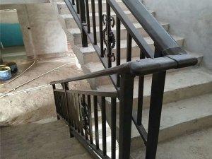 楼梯扶手高度一般多少?