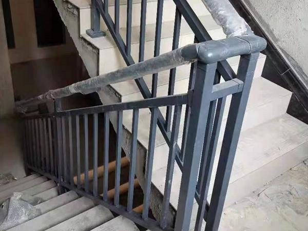 楼梯扶手什么样的最适合建筑工程批量采购?