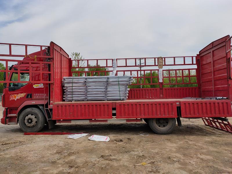 金用护栏2021年4月6日锌钢阳台栏杆发货!