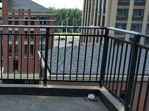 阳台护栏有几种材料?