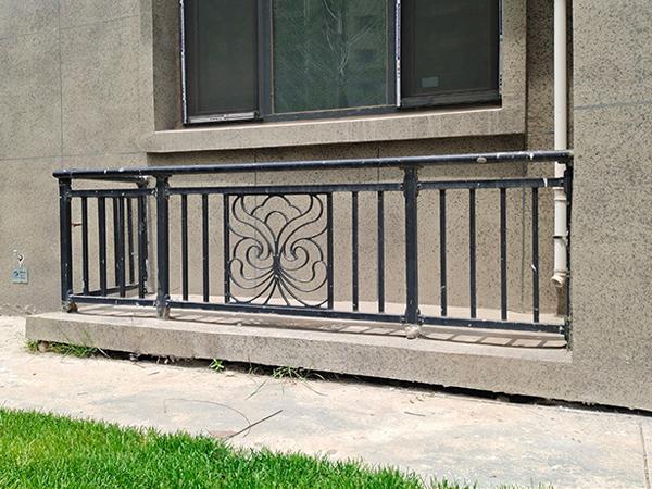 空调护栏材质