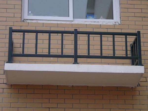 空调护栏种类