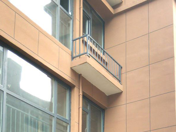 空调护栏有必要安装吗?