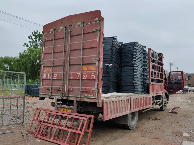 金用护栏2021年6月18日锌钢护窗栏杆发货!