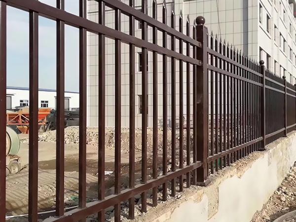 围墙护栏使用寿命