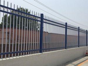 小区安装围墙护栏有哪些好处?