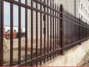 围墙护栏一般多高?