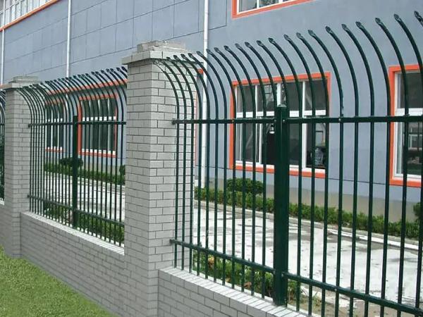 围墙护栏采购技巧