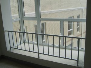 飘窗护栏厂家选择时需要注意些什么?
