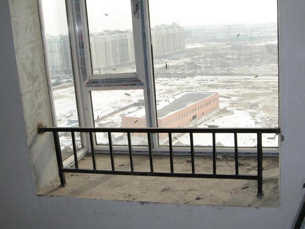 飘窗护栏高度及杆件间距标准规范要求