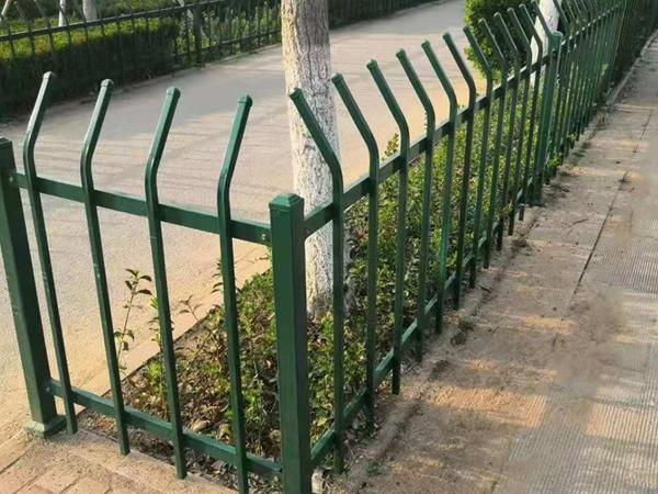 绿化护栏厂家怎么选择?