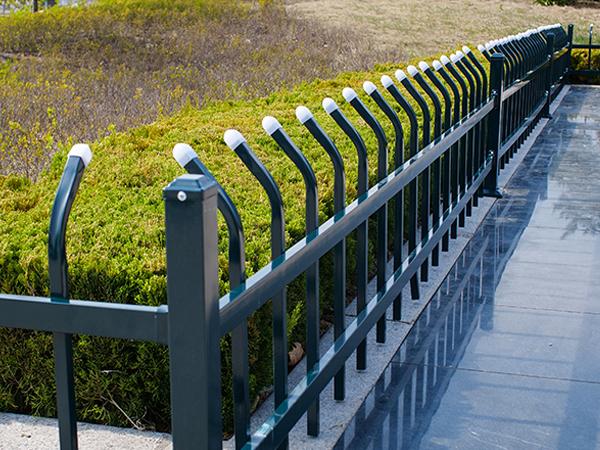 绿化护栏选什么材质比较好?